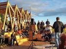 """L'inauguration de la """"guinguette"""" a clôturé une semaine de chantier participatif - Mai 2017"""